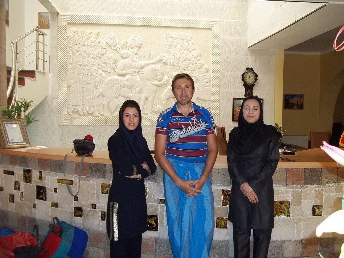 Chronicles Iran 13 Apr 10 Jun 2011 Travel For Aid